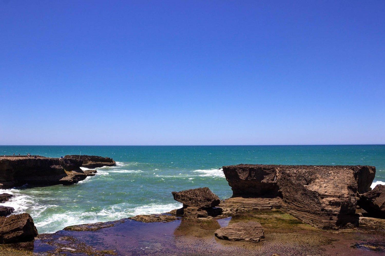 scogli e oceano Atlantico