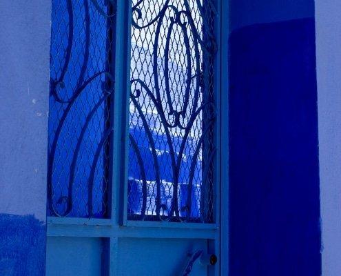 porta blu della città di chefchaouen