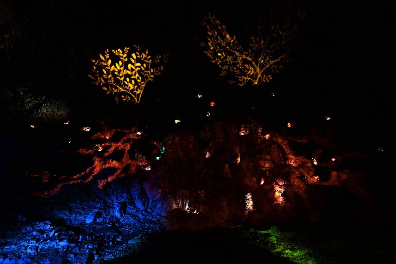 grotta choranche: spettacolo di luce nella sala cattedrale